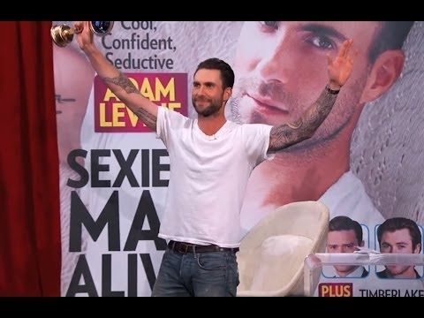 Adam Levine Accepts People's Sexiest Man Alive Award - YouTube