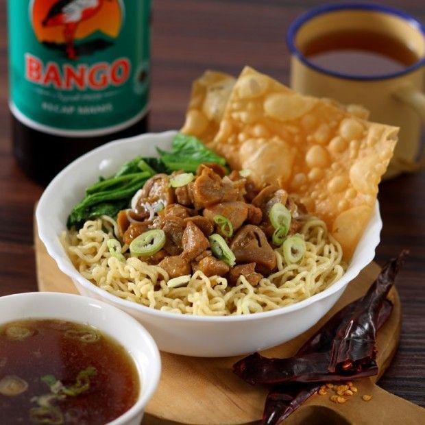 Malas beli Mie Ayam di luar? Yuk buat Mie Ayam ala Anda bersama Bango dengan resep ini.