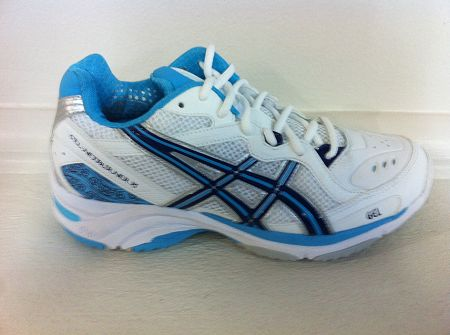 Asics Netburner, top of the range netball shoe. First choice of the Pro  netball
