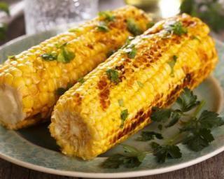 Maïs léger grillé au barbecue : http://www.fourchette-et-bikini.fr/recettes/recettes-minceur/mais-leger-grille-au-barbecue.html
