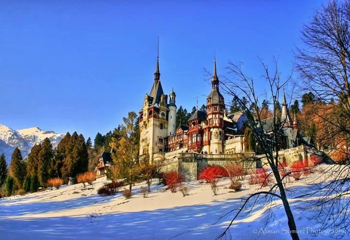 Castelul Peleș, incărcat de istorie si eleganţă, una dintre cele mai rafinate atracţii turistice ale României.