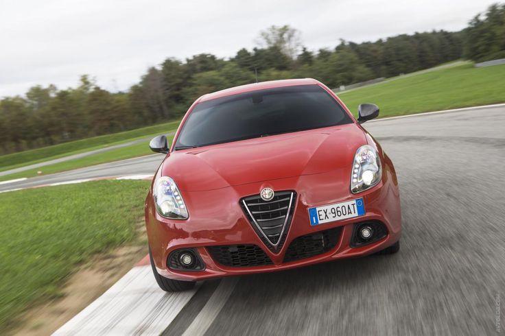 Alfa Romeo Giulietta Sprint (2015)