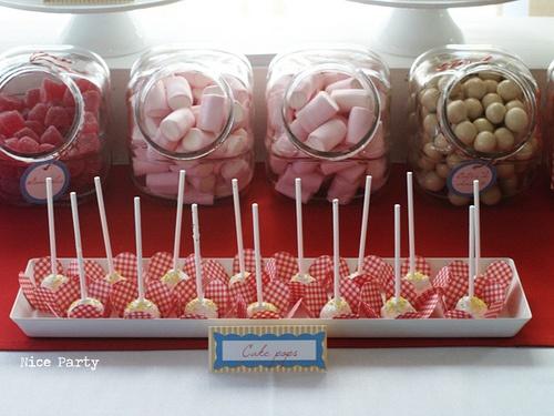 Me encanta la idea de los dispensadores de dulces¡
