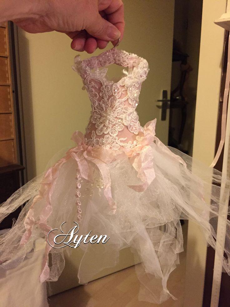 Roze satijnen Korset met slierten met bruidskant parels en glaskraaltjes