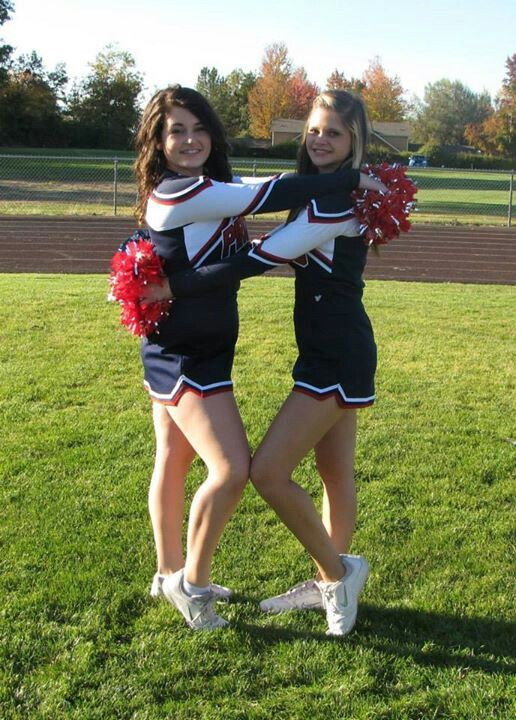 I think I am gonna be a cheerleader next year with my friend emily we so need to take a pic like this and tayler needs to be a cheerleader next year too