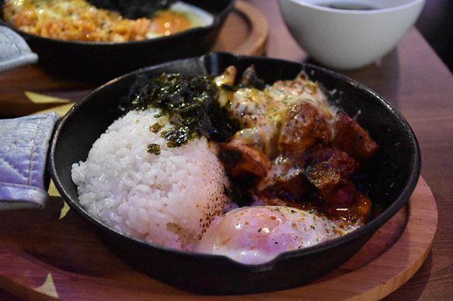680円チーズダッカルビ定食!サラダとスープとトッポッキはバイキング形式♡なんてお得な^ ^ @_moonciel  @seedsflourish  #follow #lunch #vegetables #korea #cheese #koreanfood #chicken #nofilter #deligram #foodie #foodgram #restaurant #gourmet  #instagood #like4like #followme #肉 #定食 #食べ放題 #韓国 #野菜 #カルビ  #グルメ #おいしい #食べ物 #ランチ#韓国料理 #チーズ
