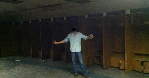 3 Drunk Friends Stumbled Through The Remnants Of An Abandoned Stadium - Epic