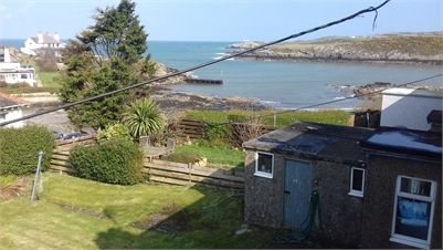 Room From Rent In A Shared House - Cemaes, Isle of Anglesey. Shared house with one other double room. Sea view..   1 min from beach . WiFi and sky freeview 75.00 GBP a week