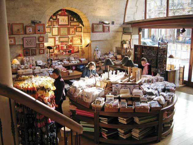 Paris craft shop via Craftzine