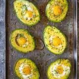 https://damndelicious.net/2016/10/05/baked-eggs-in-avocado/