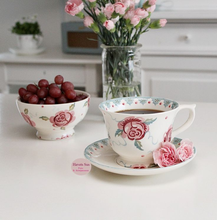 Emma Bridgewater - Rose and Bee - nelliker - flowers - blomster - vindruer - Havets Sus - Denmark