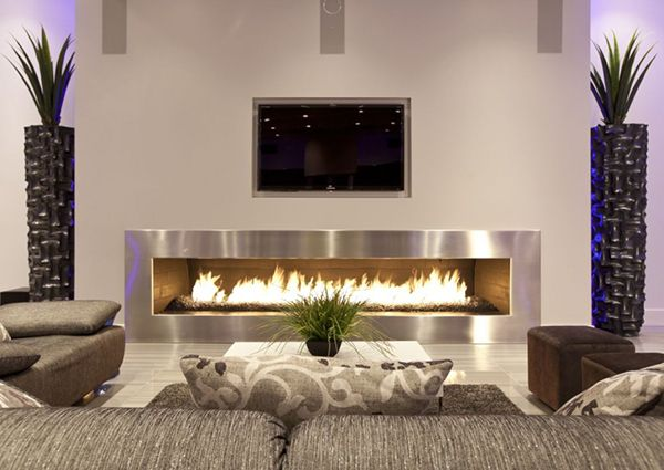 Gigant fireplace