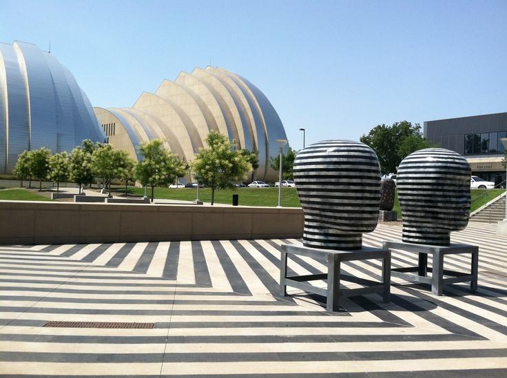 Plaza, Jun Kaneko sculptures, Kauffman Center in