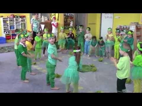 Žabí koncert u rybníka - YouTube