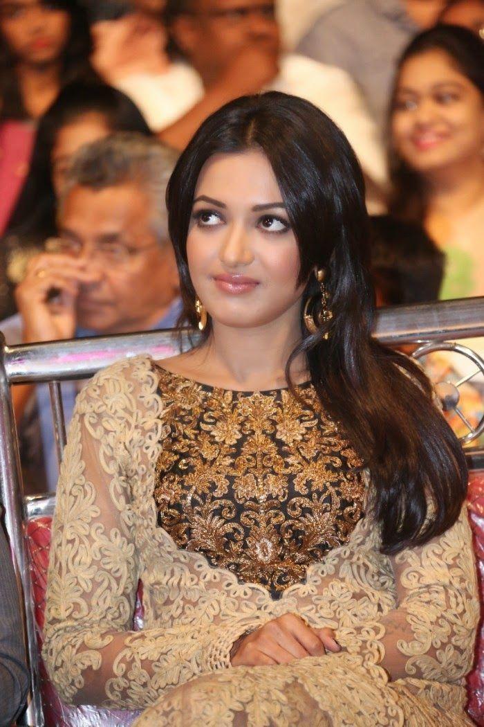 Actress HD Gallery: Catherine Tresa Actress Latest HD photo Gallery from Errabus Telugu movie...