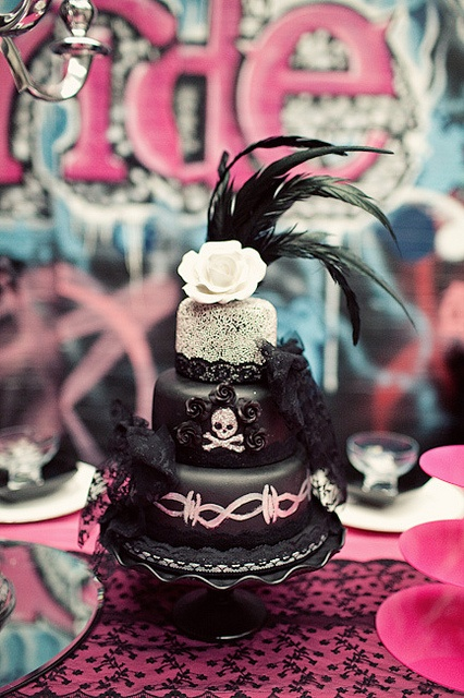 punk rock wedding cakes 17 best images about cake on carnival wedding 18844