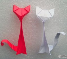 How to make an origami cat out of paper with really good instruction and clear pictures.