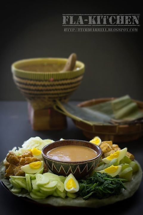 Gado-Gado -Indonesian cooked style salad with peanut dressing-