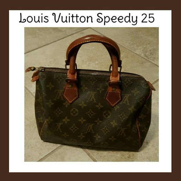 ⏰1hr SALELouis Vuitton Speedy 25 Vintage Louis Vuitton Speedy 25 zipper pull is missing and tabs on each side has damage there are some marks on the interior date code is vintage but reads 884 Stains on interior  Feel free to ask questions 100% AUTHENTIC Louis Vuitton Bags Satchels
