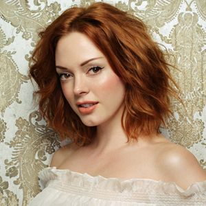 Rose McGowan sporting ginger hair - really suits her complexion