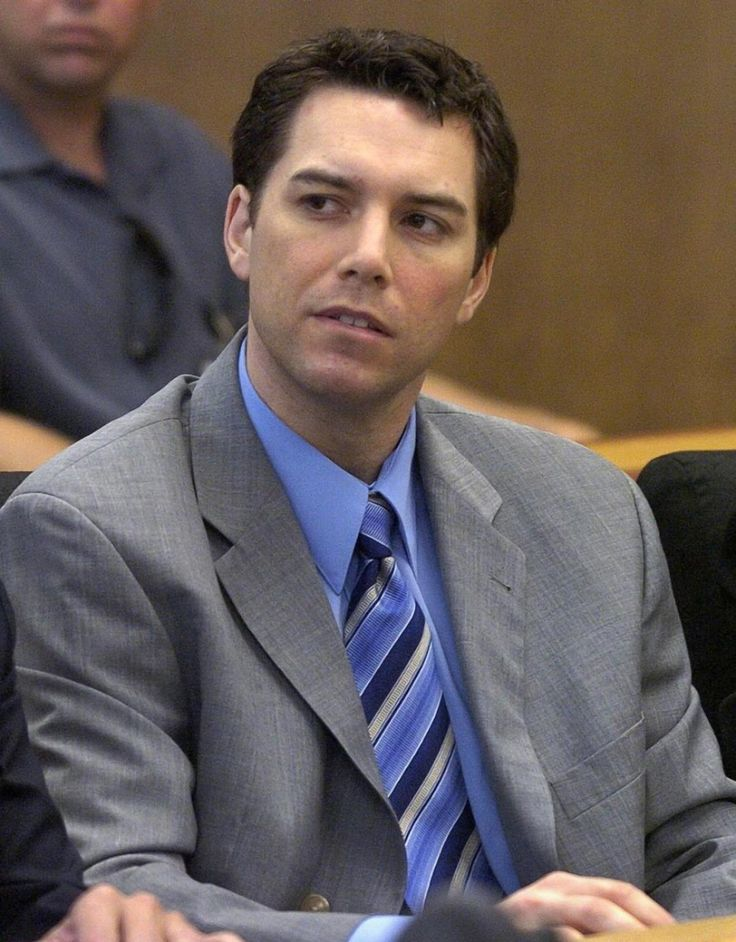 Convicted murderer Scott Peterson looking on during his hearing inside the San Mateo County Superior Courthouse in Redwood City, California on July 29, 2004.