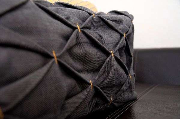 Cute Diy Pillow Cases : 1000+ images about ricami-tessuto- on Pinterest Pillow tutorial, Artesanato and A line