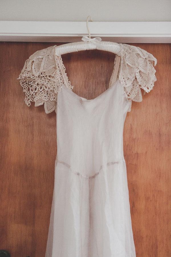 Bride's Dress: A La Robe. http://alarobe.myshopify.com/collections/vendors?page=1=BridalDresses Wedding, Sweets Dresses, Macpherson Dresses, Brides Dresses, Lace Sleeves, Dresses Cream Whit, Crochet Sleeve, Bride Dresses, Brides Vintage