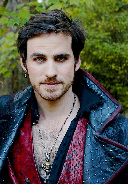 Day 1 - Favourite male character : Hook (I changed my mind)