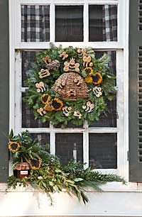 Best Williamsburg Christmas Decorations Images On Pinterest - Colonial christmas decorating ideas