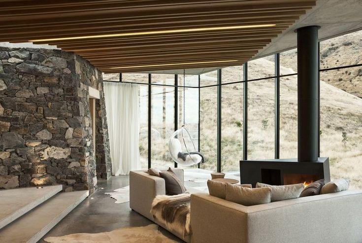 Fascinante maison à l'architecture unique en Nouvelle-Zélande, salon & cheminée design - fascinating-nature-house par Pattersons - Nouvelle-Zélande #construiretendance