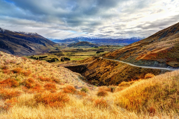 The Valley Between Queenstown and Arrowtown from #treyratcliff at www.StuckInCustom.com - all images Creative Commons Noncommercial.