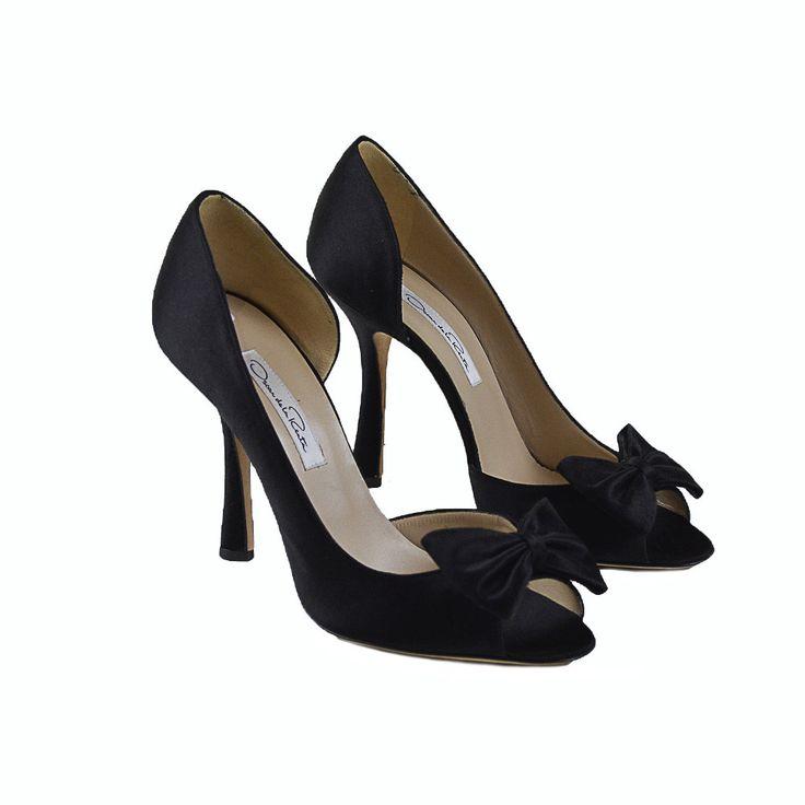 Classic silk Oscar de la Renta shoes, black silk heels with slight fraying on bow.