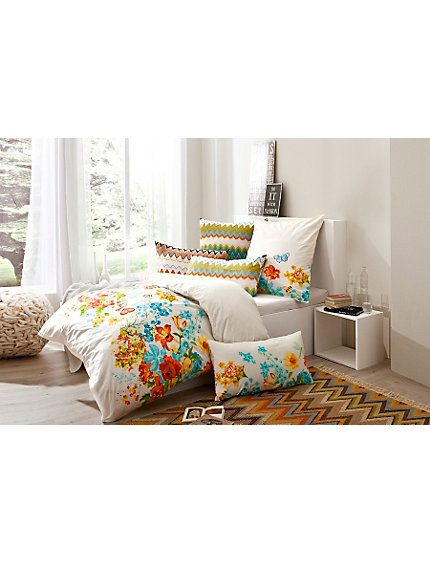 die besten 17 bilder zu betten mit sch ner bettw sche auf pinterest urban outfitters pip. Black Bedroom Furniture Sets. Home Design Ideas