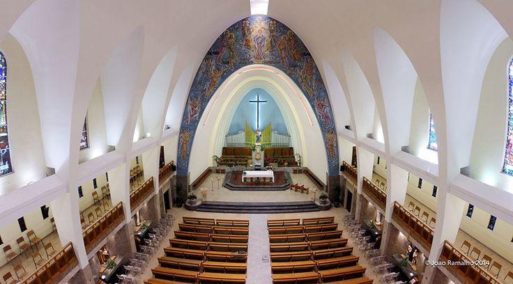 Paróquia de Nossa Senhora dos Prazeres | Igreja de Nossa Senhora Auxiliadora, Lisboa, Portugal