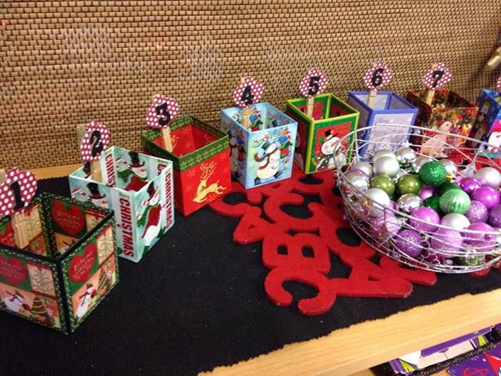 """Counting, ordering & one-to-one correspondence with Christmas baubles - from Fingadingadoo ("""",)"""