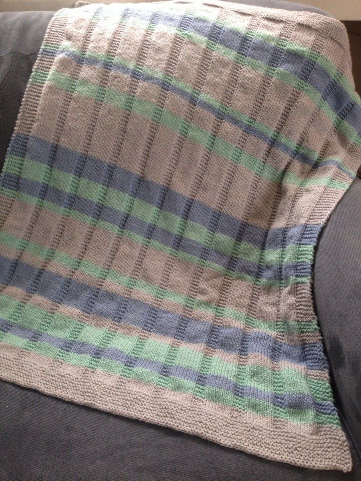 Simple striped baby blanket --Free Pattern