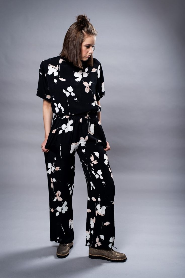 MISSMAYA Mie Top & Mie Pant Black Flower