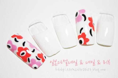 ★ 레보니's 네일아트-S No. 18 [ 마리메꼬 ] ★ :: 네이버 블로그
