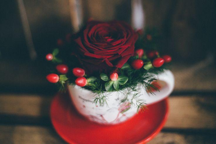 #flowerbox #flowers #smile #flowergirl #gift #giftbox #handmade  #flower #roses #rosebox #beautiful #lovely #box  #giftbox #present #birthdaypresent #luxurilife #glitterflowers