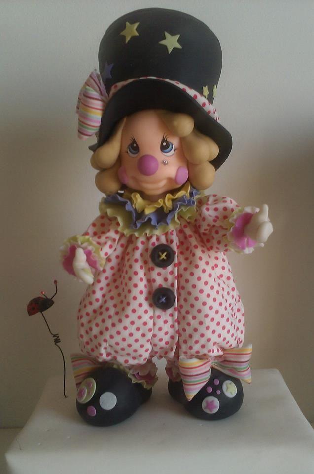 *COLD PORCELAIN ~ Seminario con Lety: Payasa con decoupage de tela, modelada en porcelana fría