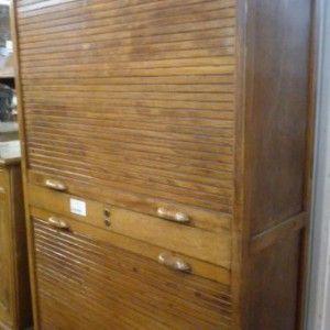 Mobile da ufficio anni 30 con due serrandine a tapparella for Mobile con chiave per ufficio
