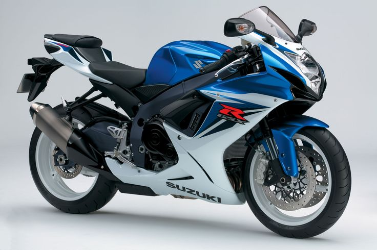 The GSX-R600 is Suzuki's contestant in the medium displacement 4-inline badass street racing machines lineup, with Yamaha's R6, Honda's CBR600 and Kawasaki's ER6 Ninja, and she's a likely contender. With 125 HP and less than 200 Kg of wet weight, if you hear one of these behind you, it has probably already overtaken you.