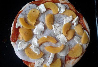 Pravé italské těsto na pizzu - recept. Přečtěte si, jak jídlo správně připravit a jaké si nachystat suroviny. Vše najdete na webu Recepty.cz.
