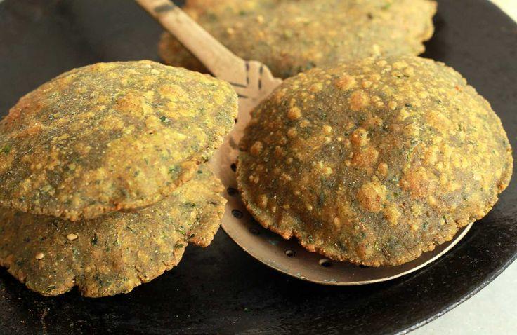 Methi Bajra Poori Recipe