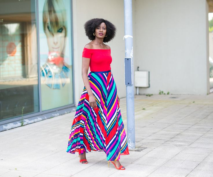Maxi Skirt! A full maxi skirt as the name implies is full and long. It is supposed to be full, free flowing, long and must reach the ankle or below the ankle. The best full maxi's are the ones that hit the floor even after wearing your 5 inch heels.....