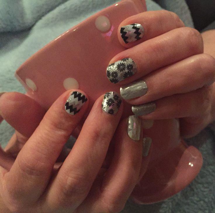Homemade mixed manicure #diamonddustsparklejn #geomoonjn #flapperjn #disorientedjn