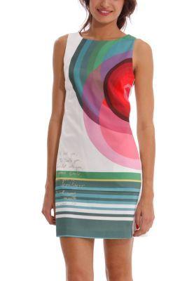 Vestido de mujer Desigual modelo Cuba. ¿Sabes quién lució este vestido tan singular en la pasada 080 Barcelona Fashion? ¡Nada más y nada menos que la top de las tops: Adriana Lima!