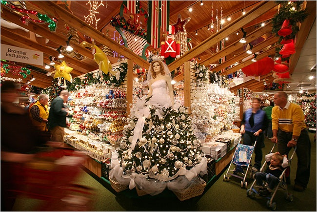 Bronner's Christmas Store The World's Largest Christmas Store is ...