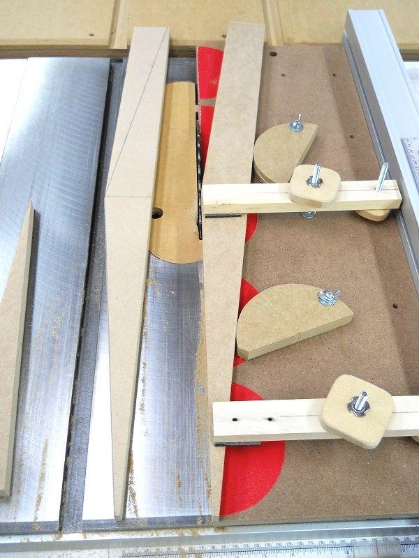 Make a Table Saw Dovetail Jig #1 Fabriquer un gabarit de queues d'aronde pour…