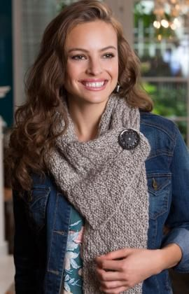 Free pattern for Button Diamond Scarf